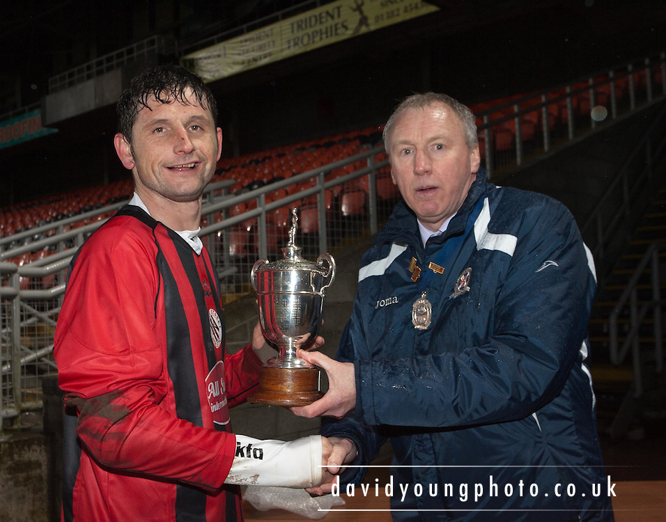 Midlands AFA President Gordon Farmer presents the Bremner Cup to Bank Street Athletic captain Paul Haggart - Midlands AFA Bremner Cup Final  - Bank Street Athletic v Arbroath CSC at Tannadice..© David Young - 5 Foundry Place - Monifieth - DD5 4BB - Telephone 07765 252616 - email: davidyoungphoto@gmail.com - web: www.davidyoungphoto.co.uk