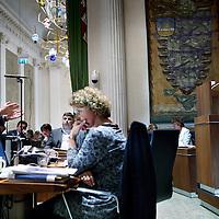 Nederland, Haarlem , 9 mei 2011..Provinciale staten vergaderen over de lezing van Von der Dunk. ..Op de foto Hero Brinkman van de PVV tijdens de vergadering.in discussie met dhr. Ootjers van CDA (r).Foto:Jean-Pierre Jans