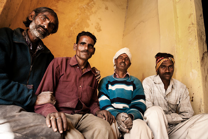 Workers on a lunch break, Jaipur, India.