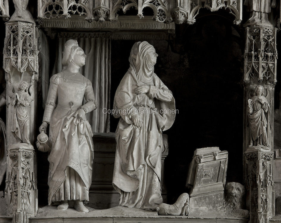 The Annunciation to St Anne, who is in her room with her servant, by Jean Soulas, upper scene from the choir screen, 1519-25, Chartres Cathedral, Eure-et-Loir, France. These sculpted scenes show the change in style from Gothic to Renaissance in the early 16th century in France. Chartres cathedral was built 1194-1250 and is a fine example of Gothic architecture. It was declared a UNESCO World Heritage Site in 1979. Picture by Manuel Cohen.