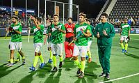 AMSTELVEEN -  Team Pakistan na de tweede  Olympische kwalificatiewedstrijd hockey mannen ,  Nederland-Pakistan (6-1). Oranje plaatst zich voor de Olympische Spelen 2020.  KNHB KOEN SUYK