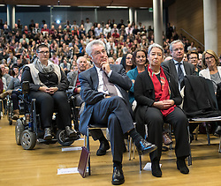 "12.10.2016, Universität, Innsbruck, AUT, Alt Bundespräsident Fischer an der Universität Innsbruck, EXPA/, im Bild v.l. Österreichs Ex-Bundespräsident Heinz Fischer, Ehefrau Margit Fischer // Austria's former Federal President Heinz Fischer at his lecture on ""The History and Democracy Development of the Second Republic"" at the Universität in Innsbruck, Austria on 2016/10/12. EXPA Pictures © 2016, PhotoCredit: EXPA/ Johann Groder"