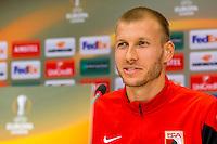ALKMAAR - 21-10-2015, Persconferentie AZ - FC Augsburg, AFAS Stadion, FC Augsburg speler Ragnar Klavan.