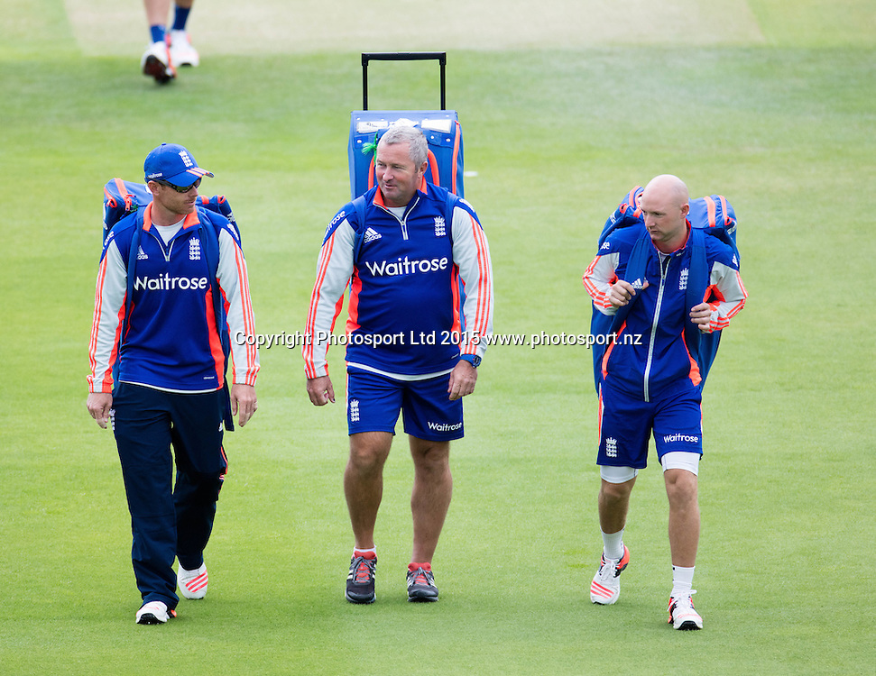 Assistant head coach, Paul Farbrace, talks to Ian Bell (left) and Adam Lyth (right) during net practice prior to the 2nd Investec Test Match at Lord's Cricket Ground, London. Photo: Graham Morris (Tel: +44(0)20 8969 4192 Email: sales@cricketpix.com) 14/07/15