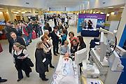 Nederland, Nijmegen, 2-2-2013Open dag bij het umc radboud met als thema kanker enn kankerbestrijding. Drukte in de centrale poli hal.Foto: Flip Franssen