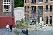 Nederland, Nijmegen, 24-5-2015Eerstejaars studenten betrekken hun kamer in het studentencomplex NEBO. Met veel hulp van de ouders verhuizen ze hun spullen.FOTO: FLIP FRANSSEN/ HH