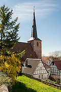 Kirche und Fachwerkhäuser, Laudenbach, Bergstraße, Baden-Württemberg, Deutschland | church an timber framed houses, Laudenbach, Bergstrasse, Baden-Wuerttemberg, Germany
