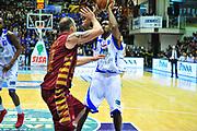 DESCRIZIONE : Sassari Lega A 2012-13 Dinamo Sassari - Umana Reyer Venezia<br /> GIOCATORE :Bootsy Thornton<br /> CATEGORIA :Tiro<br /> SQUADRA : Dinamo Sassari<br /> EVENTO : Campionato Lega A 2012-2013 <br /> GARA : Dinamo Sassari<br /> DATA : 17/02/2013<br /> SPORT : Pallacanestro <br /> AUTORE : Agenzia Ciamillo-Castoria/M.Turrini<br /> Galleria : Lega Basket A 2012-2013  <br /> Fotonotizia : Sassari Lega A 2012-13 Dinamo Sassari - Umana Reyer Venezia<br /> Predefinita :