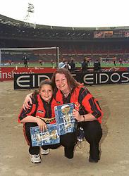 KETTERING MASCOT KIMBERLEY HURLING POSES WITH HER MUM BEFORE KICK OFF, Kettering Town v Kingstonian FA Trophy Final Wembley Stadium Saturday 13th  May 2000