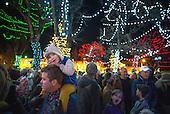 Holiday lights on the Santa Fe Plaza 11-25-16