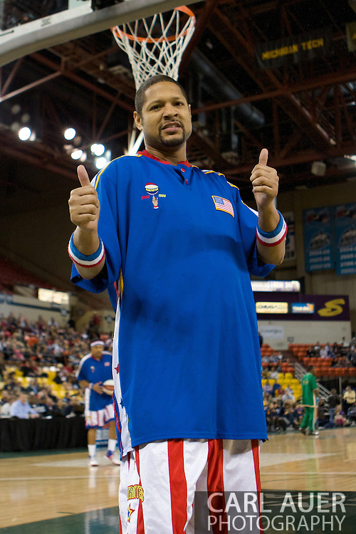 April 30th, 2010 - Anchorage, Alaska: Handles Franklin of the Harlem Globetrotters clowns for the camera prior to a game against the perennial losers, the Washington Generals.