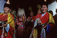 Mongolia. Ulaanbaatar. military Parade on Sukhe Bator square for the national day  OulanBator  Mongolia  with medals   /  Section d'infanterie en tenue de parade. /  L'armée mongole, principalement terrestre, est composée de volontaires et d'appelés qui doivent effectuer un service obligatoire réduit à douze mois. Équipés de fusils russes  - Kalachnikov -  AK 47, les soldats sont entraînés à survivre dans des conditions extrêmes de froid et de chaud, dans les régions montagneuses ou désertiques du pays; ce qui fait d'eux de très bons combattants. (Fête nationale du Naadam, sur la place SUKBAATAR à OULAN BATOR  /   185    P0002679