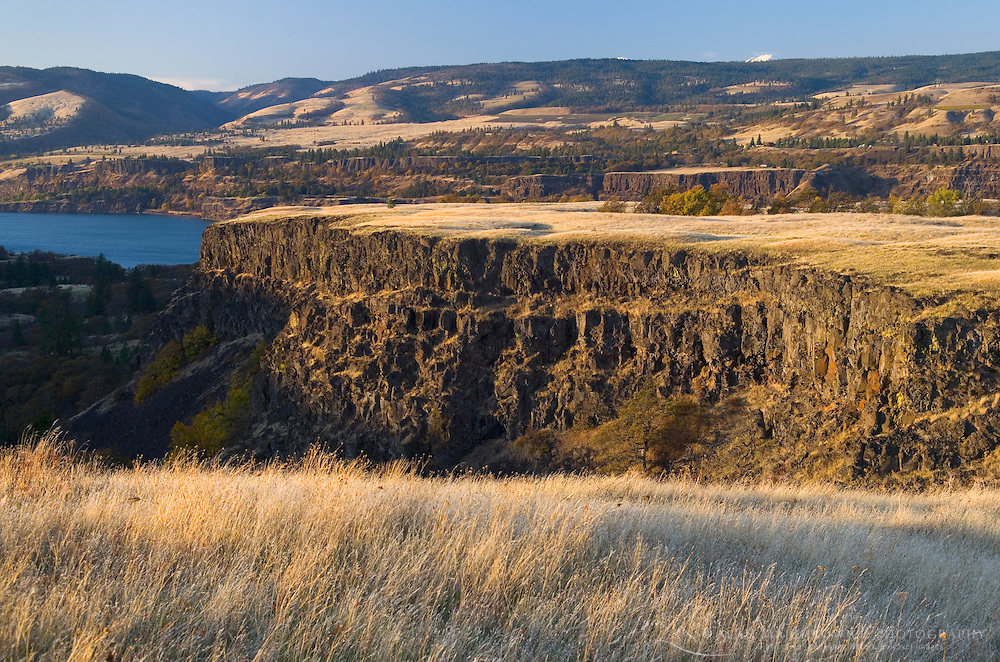 Rowena Crest in Fall at sunset, Columbia River Gorge National Scenic Area Oregon
