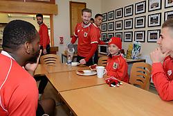 Bristol City's Jay Emmanuel-Thomas speaks with Connor over breakfast - Photo mandatory by-line: Dougie Allward/JMP - Mobile: 07966 386802 - 01/04/2015 - SPORT - Football - Bristol - Bristol City Training Ground - HR Owen and SAM FM