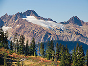 Twin Sisters Mountain, Mount Baker Wilderness, Mount Baker-Snoqualmie National Forest, Washington, USA
