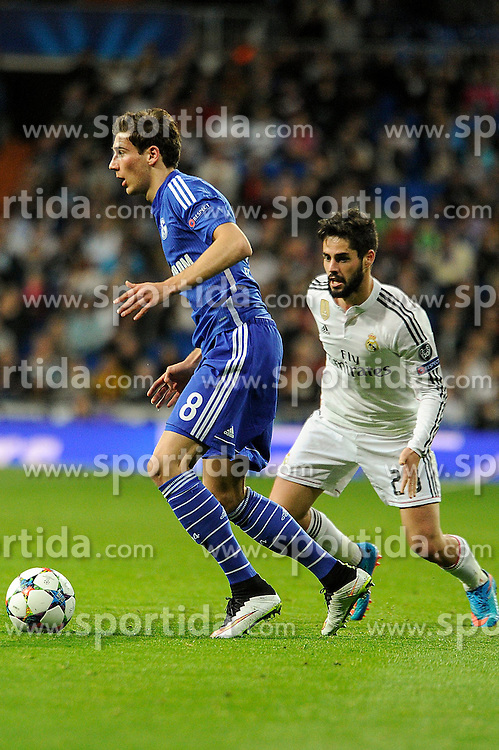 10.03.2015, Estadio Santiago Bernabeu, Madrid, ESP, UEFA CL, Real Madrid vs Schalke 04, Achtelfinal, R&uuml;ckspiel, im Bild Real Madrid&acute;s Isco and FC Shalke 04&acute;s Leon Goretzka // during the UEFA Champions League Round of 16, 2nd Leg match between Real Madrid and Schakke 04 at the Estadio Santiago Bernabeu in Madrid, Spain on 2015/03/10. EXPA Pictures &copy; 2015, PhotoCredit: EXPA/ Alterphotos/ Luis Fernandez<br /> <br /> *****ATTENTION - OUT of ESP, SUI*****