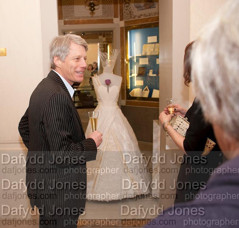 NICK ROSS, Smythson Royal Wedding exhibition preview. Smythson together with Janice Blackburn has commisioned 5 artist designers to create their own interpretations of  Royal wedding memorabilia. Smythson. New Bond St. London. 5 April 2011.  -DO NOT ARCHIVE-© Copyright Photograph by Dafydd Jones. 248 Clapham Rd. London SW9 0PZ. Tel 0207 820 0771. www.dafjones.com.