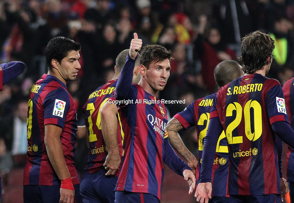 08.01.2015. Barcelona, Spain. Copa del Rey. Barcelona versus Elche CF. Leo Messi gives a thimbs up sign to the bench