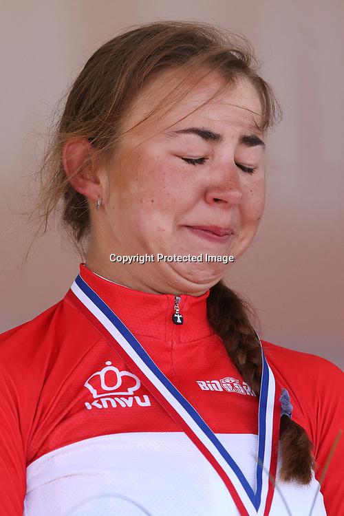 24-06-2016: Wielrennen: NK weg Vrouwen: Ouddorp   <br />OUDDORP (NED) wielrennen   <br />Rond de Brouwersdam streden de wielervrouwen om de Nederlandse titel. Podium momentje Nederrlands Kampioene vrouwen Anouska Koster