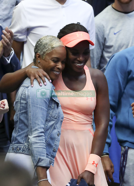 NEW YORK, Sept. 10, 2017  Sloane Stephens (R) of the United States poses for photo with her mother Sibyl Smith after winning the women's singles final match against Madison Keys of the United States at the 2017 US Open in New York, the United States, Sept. 9, 2017. Sloane Stephens won 2-0 to claim the title. (Credit Image: © Wang Ying/Xinhua via ZUMA Wire)