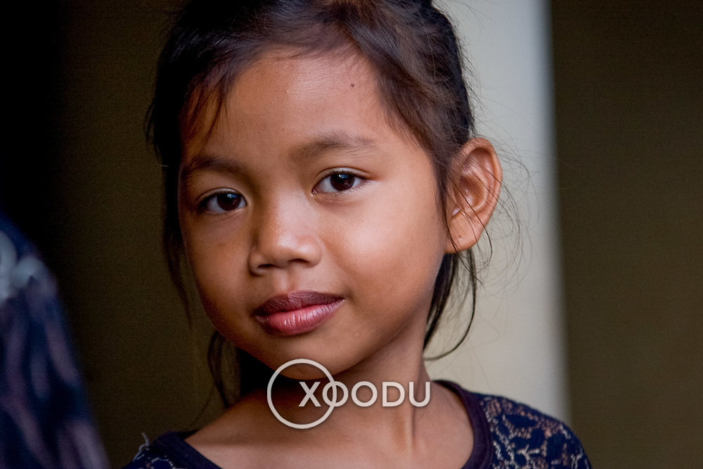 Young cambodian girl (Kampong Cham, Cambodia - Oct. 2008) (Image ID: 081025-1720411a)