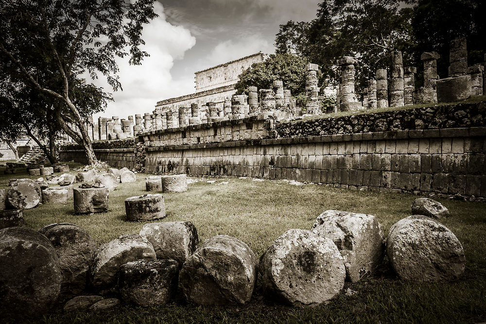 The Group of the Thousand Columns (Grupo de las Mil Columnas) at the Chichen Itza world heritage site, Yucatan, Mexico