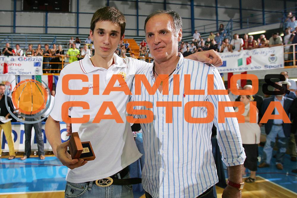 DESCRIZIONE : Gorizia U20 European Championship Men Final Serbia Spain <br /> GIOCATORE : Shved Ivanovic Best Five Players <br /> SQUADRA : Russia <br /> EVENTO : Gorizia U20 European Championship Men Final Serbia Spain Campionato Europeo Maschile Under 20 Finale Serbia Spagna <br /> GARA : Serbia Spain <br /> DATA : 15/07/2007 <br /> CATEGORIA : Premiazione <br /> SPORT : Pallacanestro <br /> AUTORE : Agenzia Ciamillo-Castoria/S.Silvestri <br /> Galleria : Europeo Under 20 <br /> Fotonotizia : Gorizia U20 European Championship Men Final Serbia Spain <br /> Predefinita :