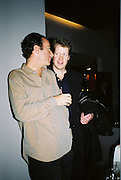 Robert Hanson and Viscount Althorp. Gilda's Club party. Isola. London. 5/2/01 © Copyright Photograph by Dafydd Jones 66 Stockwell Park Rd. London SW9 0DA Tel 020 7733 0108 www.dafjones.com
