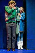 Nederland Amsterdam 26 mei 2013<br /> Hoge Fronten speelt in jeugdtheater De Krakeling de familie voorstelling: Niet Wiet, wel Wiet. Spel: Inge Liefsoens, Hans Van Cauwenberghe, Eva Zwart en Gerrit Dragt.<br /> Regie / concept: Lieke Benders<br /> Foto: Jan Boeve.