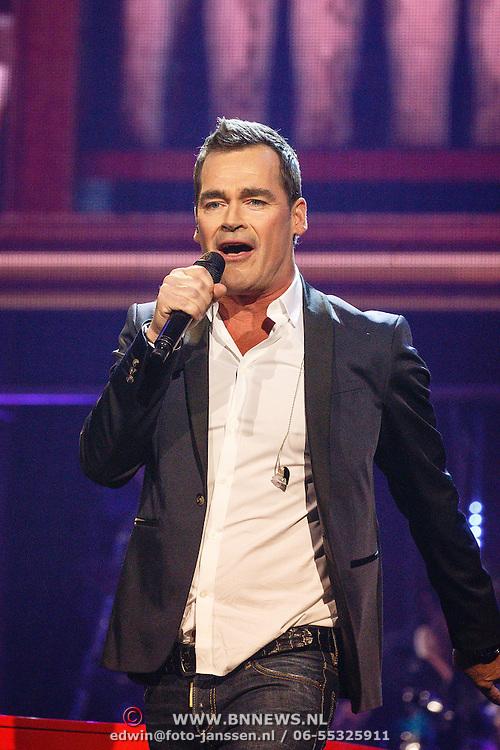 NLD/Amsterdam/20160217 - Holland zingt Hazes 2016, Jeroen van der Boom