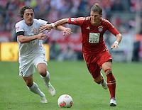 FUSSBALL   1. BUNDESLIGA  SAISON 2012/2013   3. Spieltag FC Bayern Muenchen - FSV Mainz 05     15.09.2012 Julian Baumgartlinger (li, 1. FSV Mainz 05) gegen Bastian Schweinsteiger (FC Bayern Muenchen)