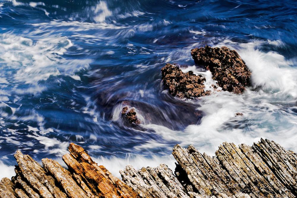 USA, Montaña de Oro State Park (CA).Sea water motion study