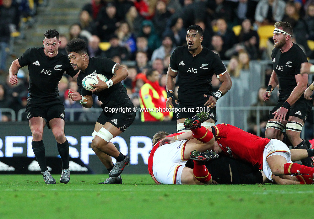 All Blacks' Ardie Savea runs the ball. All Blacks v Wales, second Steinlager Series rugby union test match at Westpac Stadium, Wellington, New Zealand. 18 June 2016. © Copyright Photo: Grant Down / www.photosport.nz