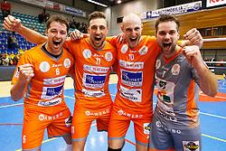 20141228 BEL: Beker, Knack Roeselare - Volley BeHappy2 Asse - Lennik: Roeselare<br /> Robbert Andringa (6) Volley Behappy2 Asse - Lennik, Robin Overbeeke (11) Volley Behappy2 Asse - Lennik, Jasper Diefenbach (10) Volley Behappy2 Asse - Lennik, Dirk Sparidans (7) Volley Behappy2 Asse - Lennik<br /> ©2014-FotoHoogendoorn.nl / Pim Waslander
