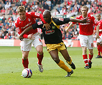 Photo: Steve Bond/Richard Lane Photography. <br />Nottingham Forest v Yeovil Town. Coca-Cola Football League One. 03/05/2008. Kris Commons (L) challanges Terrell Forbes (R)