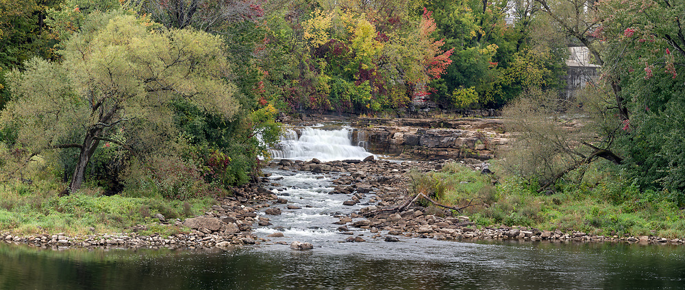 A small waterfall along the Mississippi River (below Grand Falls) in Almonte, Ontario, British Columbia, Canada.
