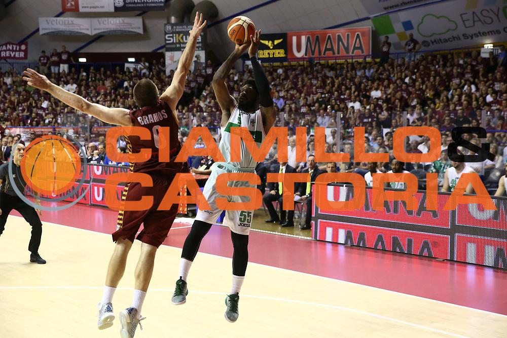 Thomas Adosin<br /> Umana Reyer Venezia vs Sidigas Avellino<br /> Lega Basket Serie A 2016/2017<br /> Play Off SemiFinali Gara 1<br /> Venezia,26/05/2017<br /> Foto Ciamillo-Castoria/A. Gilardi