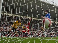 Photo: Andrew Unwin.<br />Middlesbrough v Everton. The Barclays Premiership. 14/10/2006.<br />Middlesbrough's Mark Viduka (C) celebrates scoring his team's second goal.