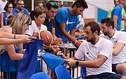 DESCRIZIONE : Trento Nazionale Italia Uomini Trentino Basket Cup Italia Paesi Bassi Italy Netherlands <br /> GIOCATORE : Marco Belinelli<br /> CATEGORIA : Pregame before<br /> SQUADRA : Italia Italy<br /> EVENTO : Trentino Basket Cup<br /> GARA : Italia Paesi Bassi Italy Netherlands<br /> DATA : 30/07/2015<br /> SPORT : Pallacanestro<br /> AUTORE : Agenzia Ciamillo-Castoria/R.Morgano<br /> Galleria : FIP Nazionali 2015<br /> Fotonotizia : Trento Nazionale Italia Uomini Trentino Basket Cup Italia Paesi Bassi Italy Netherlands