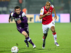 03.11.2011, Generali Arena, Wien, AUT, UEFA EL, FK Austria Wien vs AZ Alkmaar, im Bild Laufduell zwischen Alexander Gorgon, (FK Austria Wien, #20) und Simon Poulsen, (AZ Alkmaar, #15)  // during football match between FK Austria Wien (AUT) and AZ Alkmaar (NED) Group Stage (Group G), on November 3rd, 2011 at Generali Arena, Austria. EXPA Pictures © 2011, PhotoCredit: EXPA/ T. Haumer