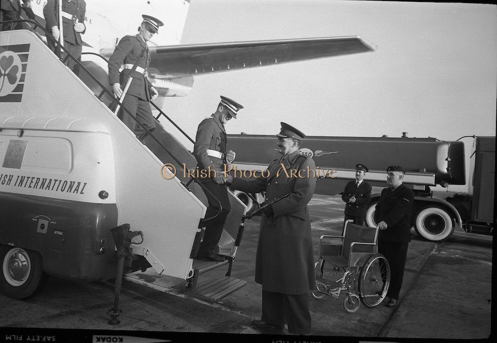 President Eamon de Valera and Irish Cadets arrive home from President Kennedy's funeral in Washington..27.11.1963