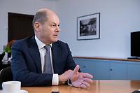 21 NOV 2018, BERLIN/GERMANY:<br /> Olaf Scholz, SPD, Bundesfinanzminister, waehrend einem Interview, in seinem Buero, Bundesministerium der Finanzen<br /> IMAGE: 20181121-01-008<br /> KEYWORDS: B&uuml;ro