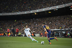 May 6, 2018 - Barcelona, Barcelona, Spain - SERGI ROBERTO (20) tries to pass by MARCELO of Real Madrid CF during La Liga soccer match between FC Barcelona and Real Madrid CF. (Credit Image: © Patricia Rodrigues/via ZUMA Wire via ZUMA Wire)