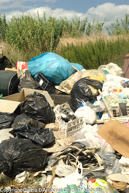 Since it has become public knowledge the extent of the damages caused by the illegal dumping of waste to the health and the environment, the people living in the region have been fighting for the waste landfills  to be closed down.