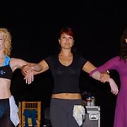 Perspresentatie Crazy for you musical, Anouk van Nes dansend