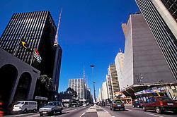Sao Paulo, Sao Paulo, Brasil. 06/1997..Avenida Paulista com o edificio da FIESP (Federacao das Industrias do Estado de Sao Paulo) a direita./ Paulista Avenue with the FIESP (Federacao das Industrias do Estado de Sao Paulo) building on the right..Foto ©Marcos Issa/Argosfoto