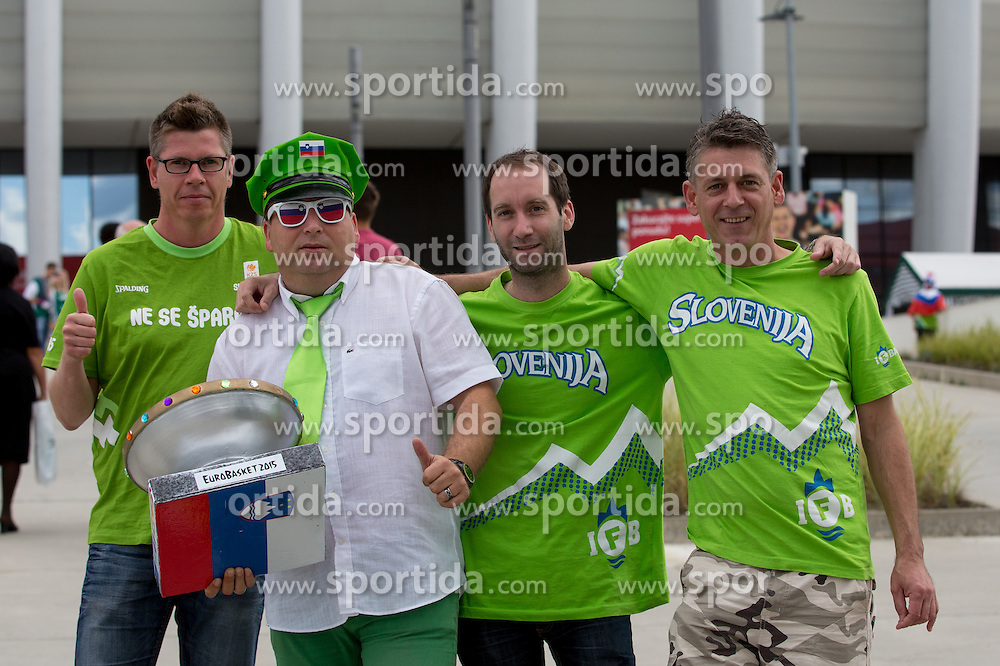 Fans prior to basketball match between Slovenia vs Netherlands at Day 4 in Group C of FIBA Europe Eurobasket 2015, on September 8, 2015, in Arena Zagreb, Croatia. Photo by Matic Klansek Velej / Sportida
