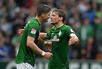 FUSSBALL   1. BUNDESLIGA   SAISON 2012/2013    33. SPIELTAG SV Werder Bremen - Eintracht Frankfurt                   11.05.2013 Sebastian Proedl (li) und Clemens Fritz (re, beide SV Werder Bremen) freuen sich nach dem Abpfiff