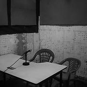 Gabu's radio station, every week, tells of the difficulties of those who have embarked on the journey to Europe, but also the success stories of the people who stayed, as a stimulus for not leaving but to stay in Guinee Bissau.<br /> <br /> La estaci&oacute;n de radio de Gabu, de aqu&iacute; cada semana, cuenta las dificultades de aquellos que se han embarcado en el viaje a Europa, pero tambi&eacute;n las historias de &eacute;xito de las personas que se quedaron, como est&iacute;mulo para no salir sino para quedarse en Guinee Bissau.