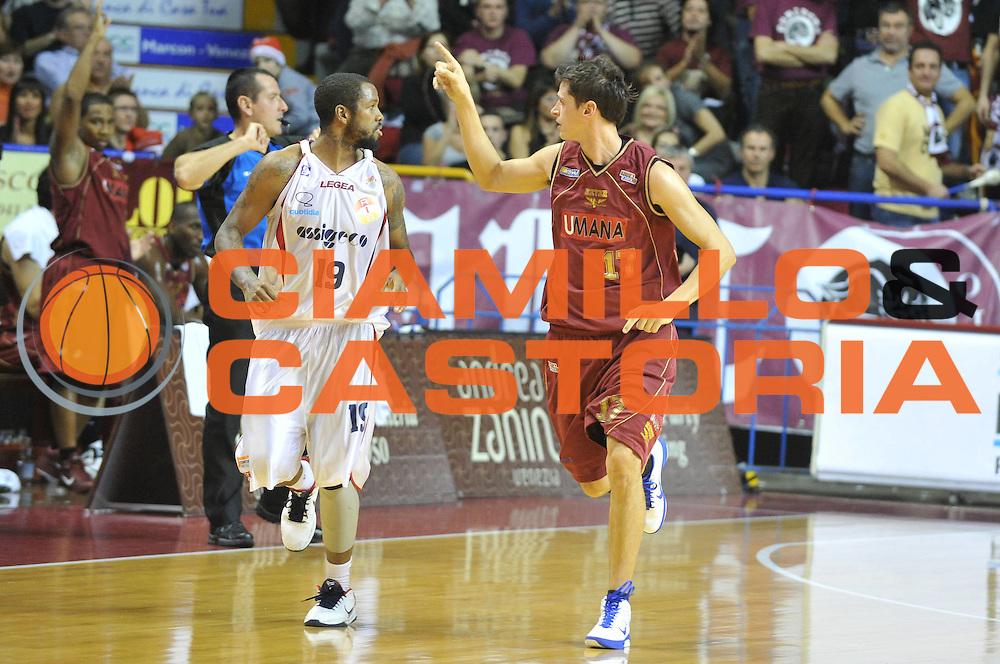 DESCRIZIONE : Venezia Lega Basket A2 2010-11 Umana Reyer Venezia Assigeco BPL Casalpusterlengo<br /> GIOCATORE : Matteo Maestranzi<br /> SQUADRA : Umana Reyer Venezia Assigeco BPL Casalpusterlengo <br /> EVENTO : Campionato Lega A2 2010-2011<br /> GARA : Umana Reyer Venezia Assigeco BPL Casalpusterlengo<br /> DATA : 12/12/2010<br /> CATEGORIA : Esultanza<br /> SPORT : Pallacanestro <br /> AUTORE : Agenzia Ciamillo-Castoria/M.Gregolin<br /> Galleria : Lega Basket A2 2010-2011 <br /> Fotonotizia : Venezia Lega A2 2010-11 Umana Reyer Venezia Assigeco BPL Casalpusterlengo<br /> Predefinita :